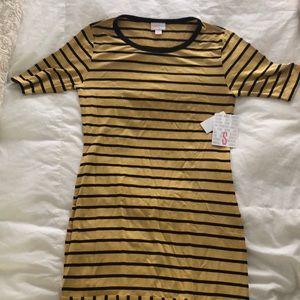 New with tags Lularoe Julia T shirt dress